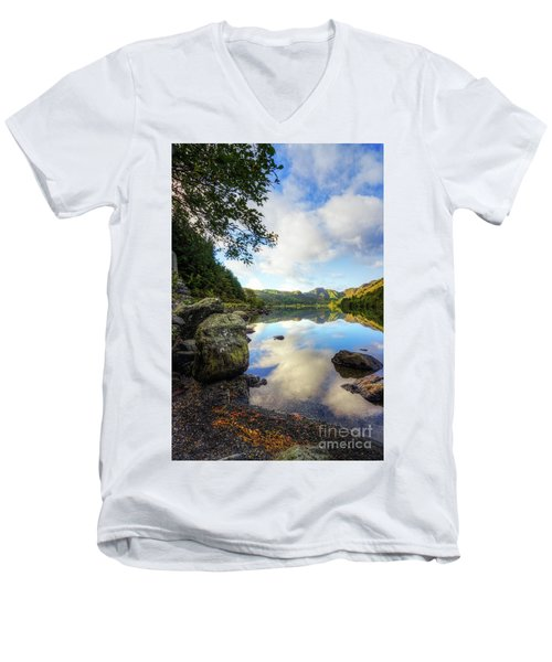 Llyn Crafnant Men's V-Neck T-Shirt