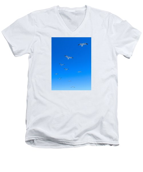 Men's V-Neck T-Shirt featuring the photograph Ascending To Heaven by Eduardo Jose Accorinti