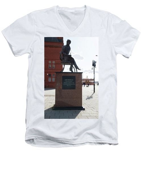 Cardiff Photo 9 Men's V-Neck T-Shirt