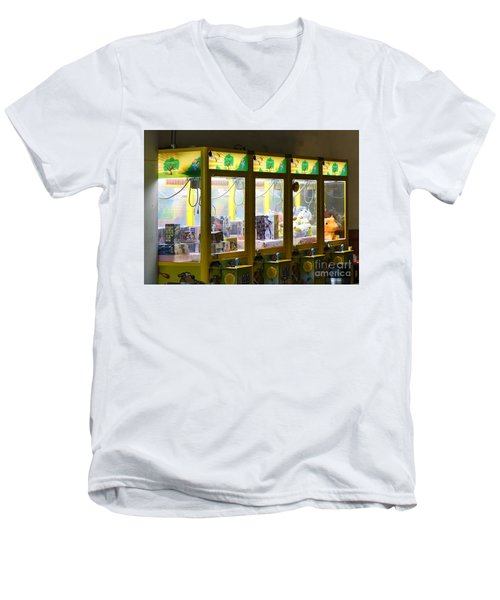 Claw Crane Game Machines In Taiwan Men's V-Neck T-Shirt