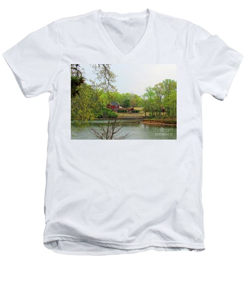 Country Living On The Tennessee River Men's V-Neck T-Shirt