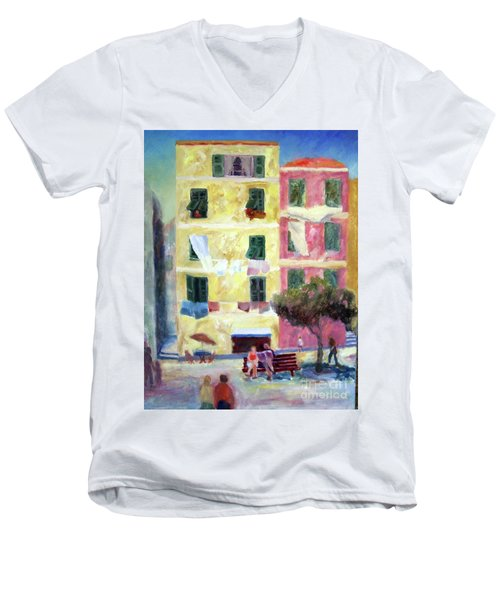 Italian Piazza With Laundry Men's V-Neck T-Shirt