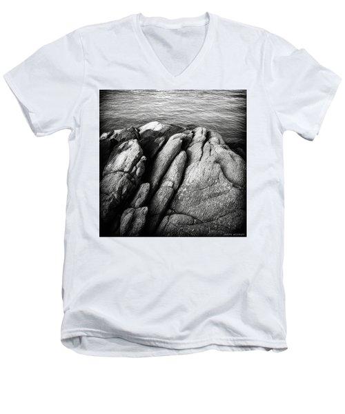 Ko Samet Rocks In Black Men's V-Neck T-Shirt