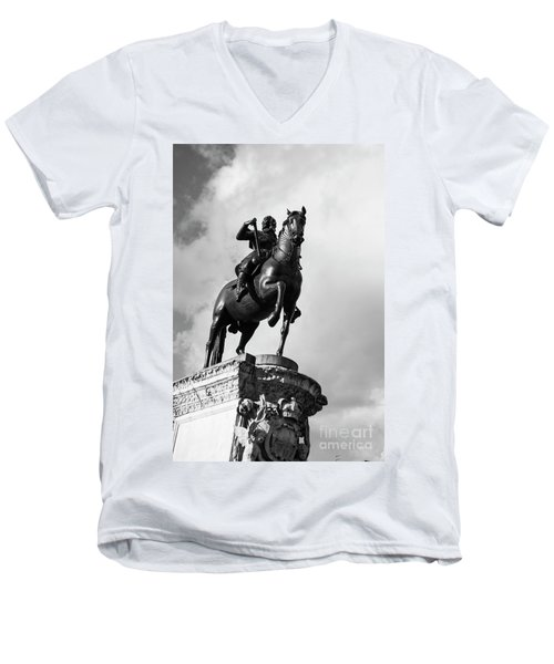 London Photo 4 Men's V-Neck T-Shirt