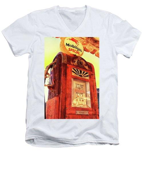 Mobilgas Special - Vintage Wayne Pump Men's V-Neck T-Shirt