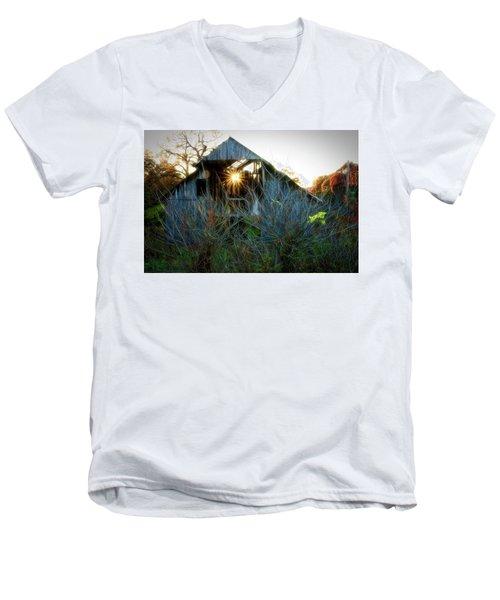 Old Barn At Sunset Men's V-Neck T-Shirt