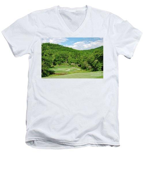 Par 3 Hole 16 Men's V-Neck T-Shirt