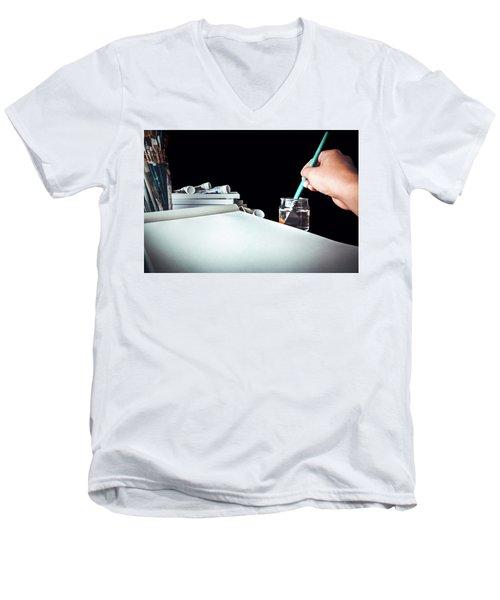 Preparing To Paint Men's V-Neck T-Shirt