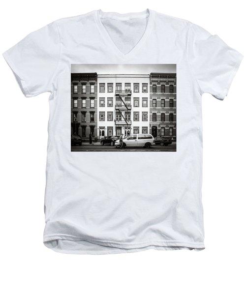 quick delivery BW Men's V-Neck T-Shirt