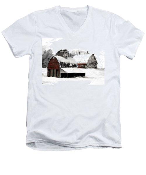 South Dakota Farm Men's V-Neck T-Shirt