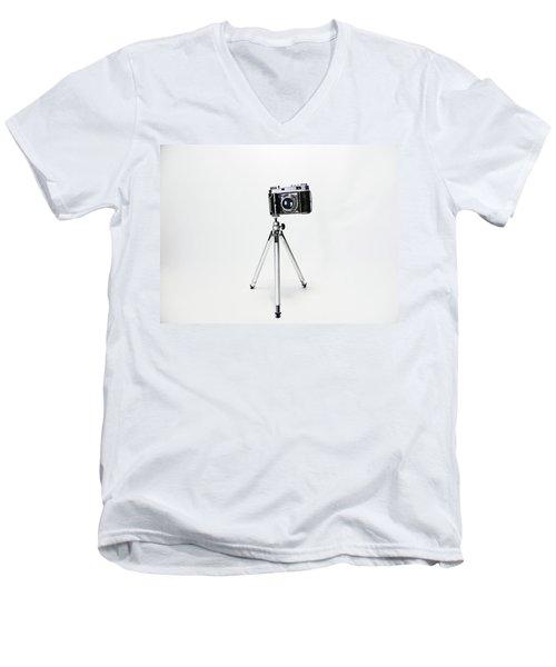 Studio. Kodak Retina 2. Men's V-Neck T-Shirt