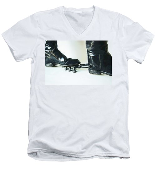 Studio. Boots And Boot Pull. Men's V-Neck T-Shirt