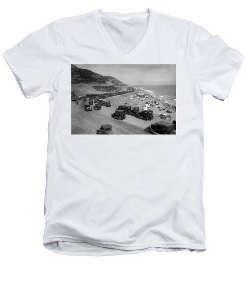 Topanga State Beach 1920 Men's V-Neck T-Shirt