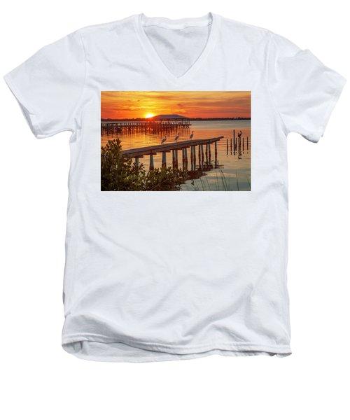 Watching The Sunset Men's V-Neck T-Shirt