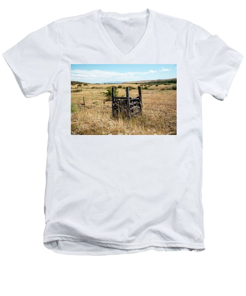 Yellow Grass And Fence Anchor Men's V-Neck T-Shirt