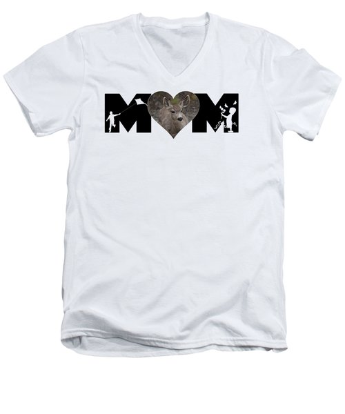 Young Doe In Heart With Little Girl And Boy Mom Big Letter Men's V-Neck T-Shirt