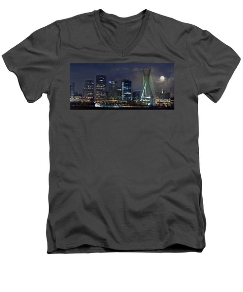 Supermoon In Sao Paulo - Brazil Skyline Men's V-Neck T-Shirt
