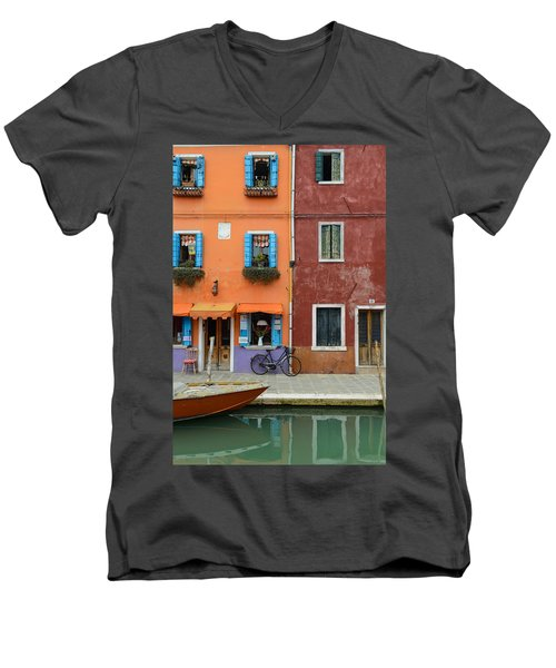 Burano Italy Men's V-Neck T-Shirt