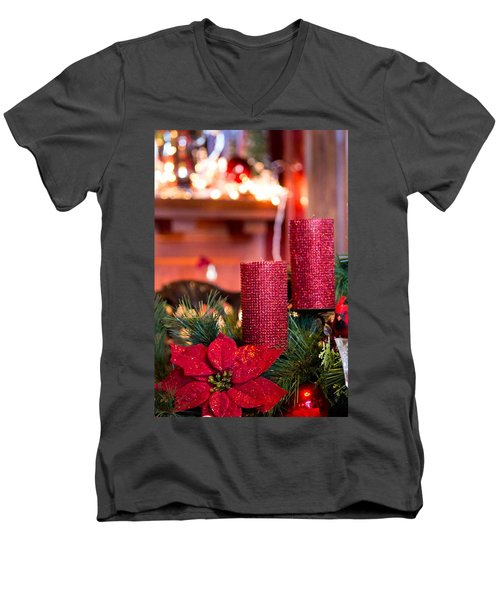 Christmas Candles Men's V-Neck T-Shirt