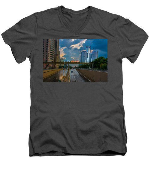 Detroit Men's V-Neck T-Shirt