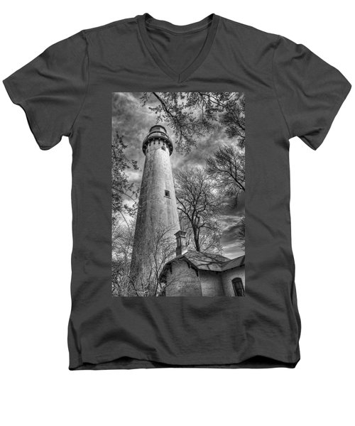 Grosse Point Lighthouse Men's V-Neck T-Shirt