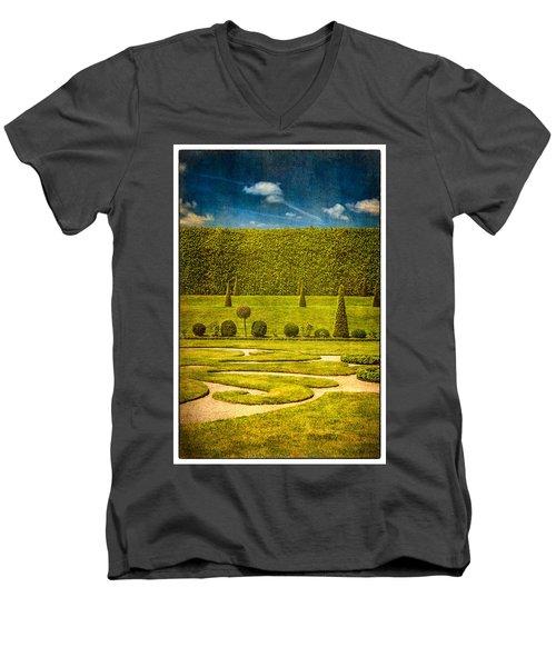Hampton Court 'the Privy Garden Men's V-Neck T-Shirt