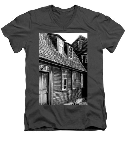 Hartwell Tavern 4 Men's V-Neck T-Shirt