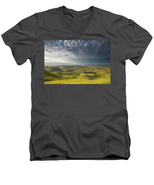 Killdeer Badlands In The East Block Of Men's V-Neck T-Shirt by Dave Reede