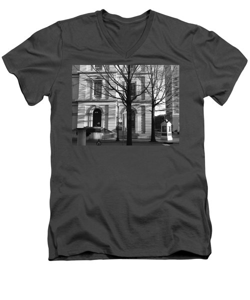 Knoxville Men's V-Neck T-Shirt