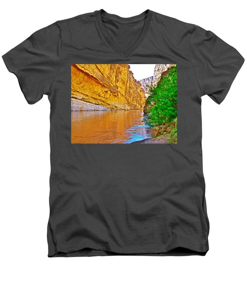 Rafting In Santa Elena Canyon In Big Bend National Park-texas Men's V-Neck T-Shirt