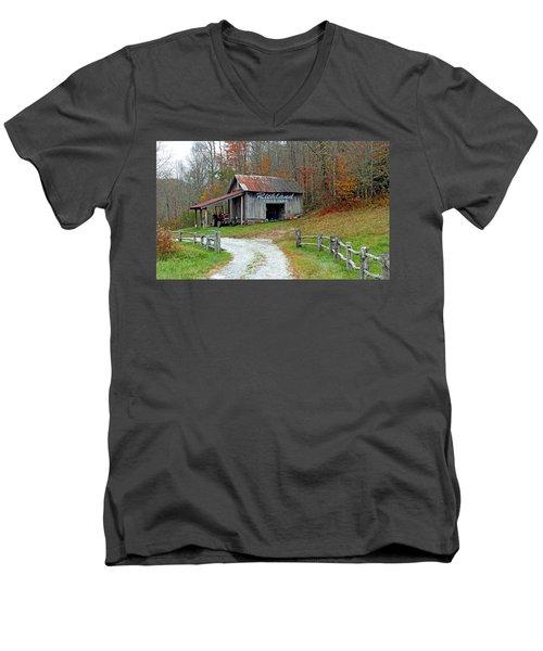 Richland Creek Farm Barn Men's V-Neck T-Shirt