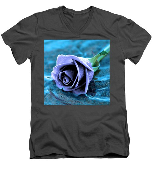 Rose In Water  Men's V-Neck T-Shirt