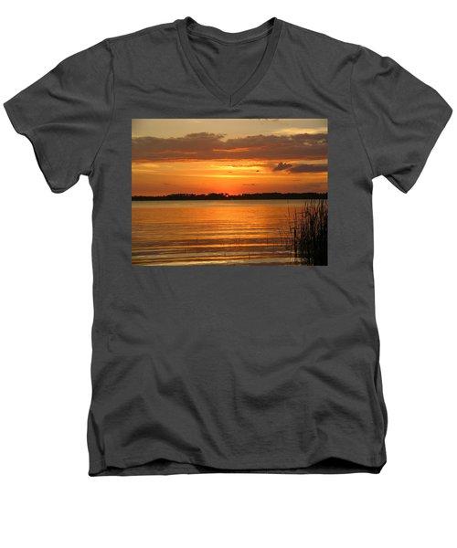 Setting Sun In Mount Dora Men's V-Neck T-Shirt