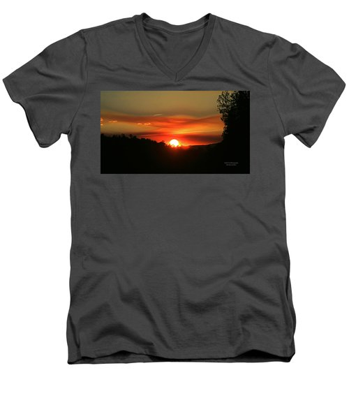 Smokin' Payson Sunset Men's V-Neck T-Shirt