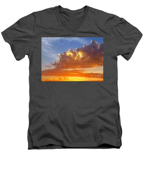 Men's V-Neck T-Shirt featuring the photograph To God Be The Glory by Robert Pearson
