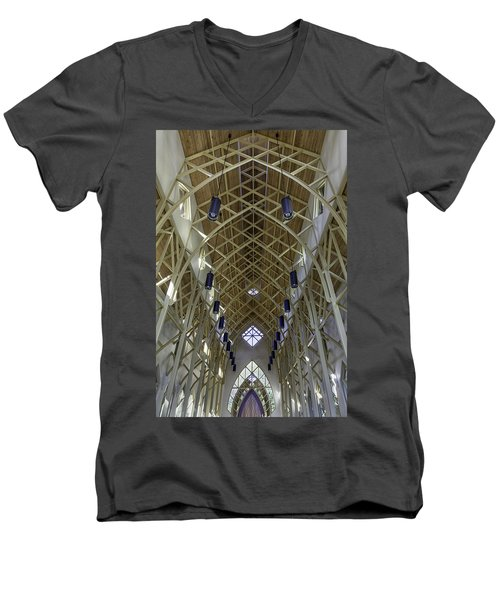 Trussed Arches Of Uf Chapel Men's V-Neck T-Shirt