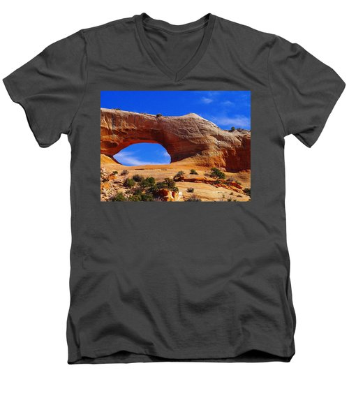 Wilsons Arch Men's V-Neck T-Shirt by Jeff Swan