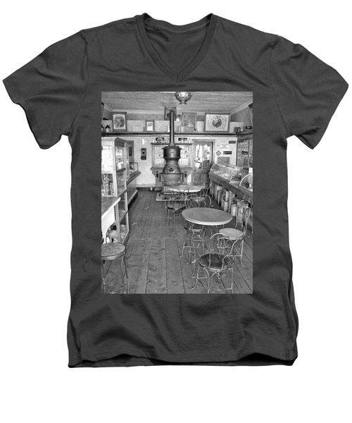 1880 Drug Store Black And White Men's V-Neck T-Shirt