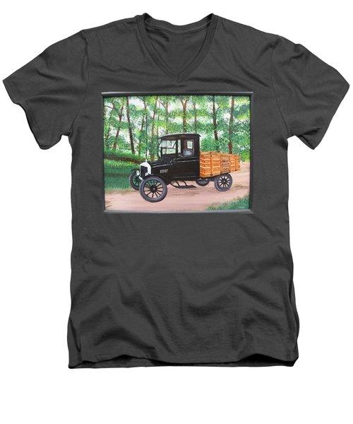 1925 Model T Ford Men's V-Neck T-Shirt