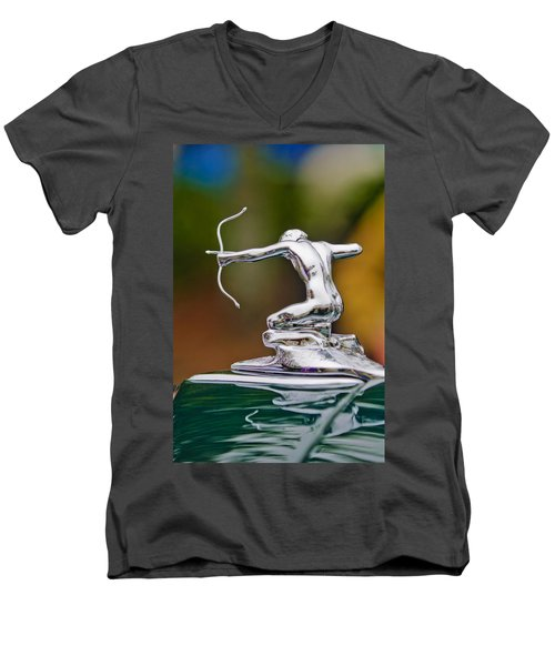 1935 Pierce-arrow 845 Coupe Hood Ornament Men's V-Neck T-Shirt