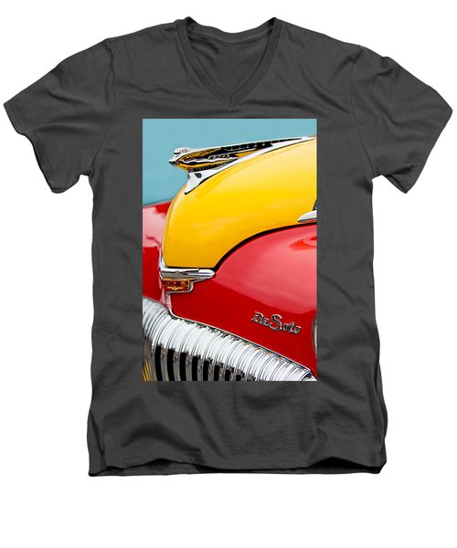 1946 Desoto Skyview Taxi Cab Hood Ornament Men's V-Neck T-Shirt