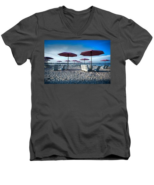 Umbrellas On The Beach Men's V-Neck T-Shirt