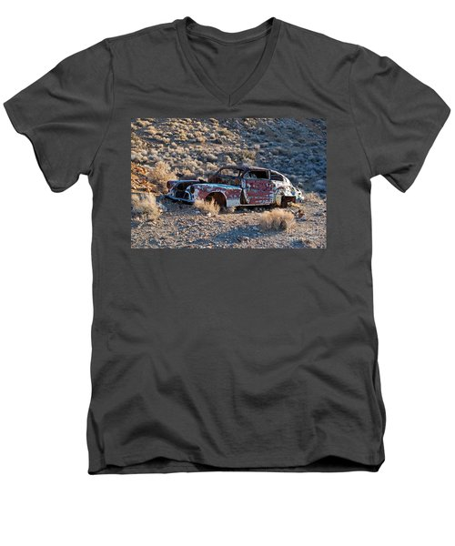 Aguereberry Camp Death Valley National Park Men's V-Neck T-Shirt