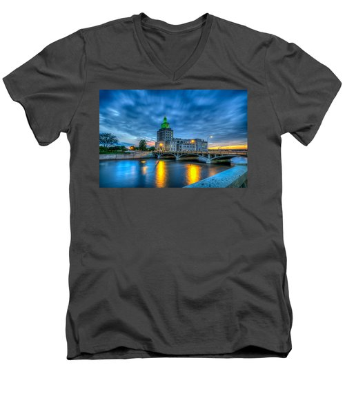 Cedar Rapids Mays Island At Sunset Men's V-Neck T-Shirt