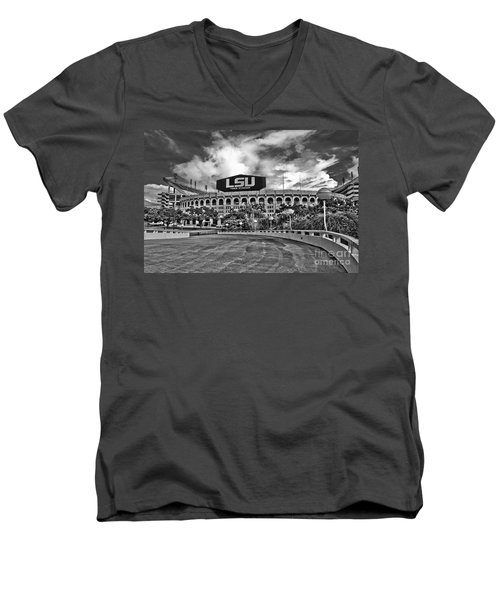 Death Valley - Hdr Bw Men's V-Neck T-Shirt