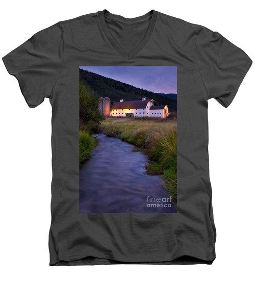 White Barn Men's V-Neck T-Shirt