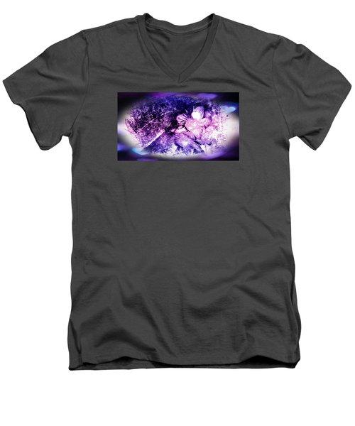Simple But Elegant Men's V-Neck T-Shirt