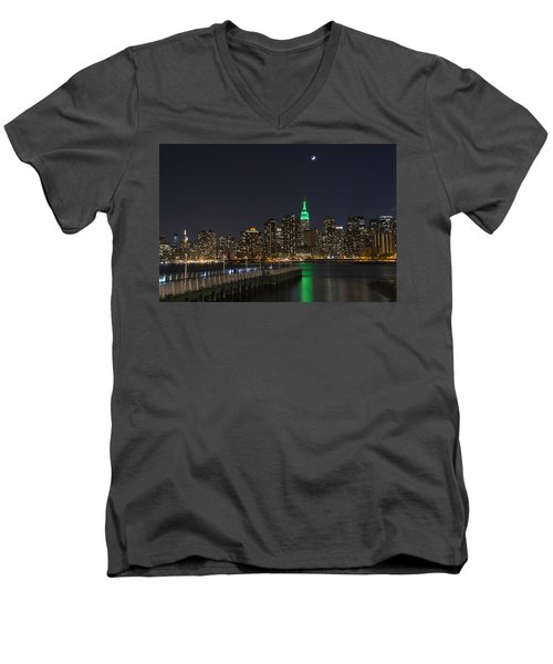 View From Gantry Plaza State Park Men's V-Neck T-Shirt