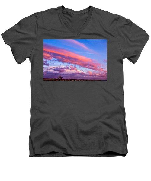 Severe Storms In South Central Nebraska Men's V-Neck T-Shirt