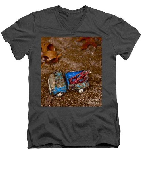 Abandoned Truck Men's V-Neck T-Shirt